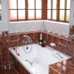 Touraco Guesthouse Room 6 Bathroom
